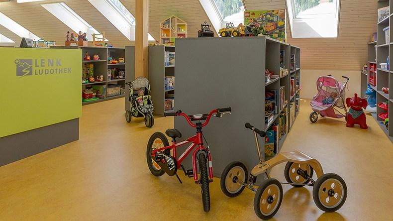 Bibliothek und Ludothek Lenk