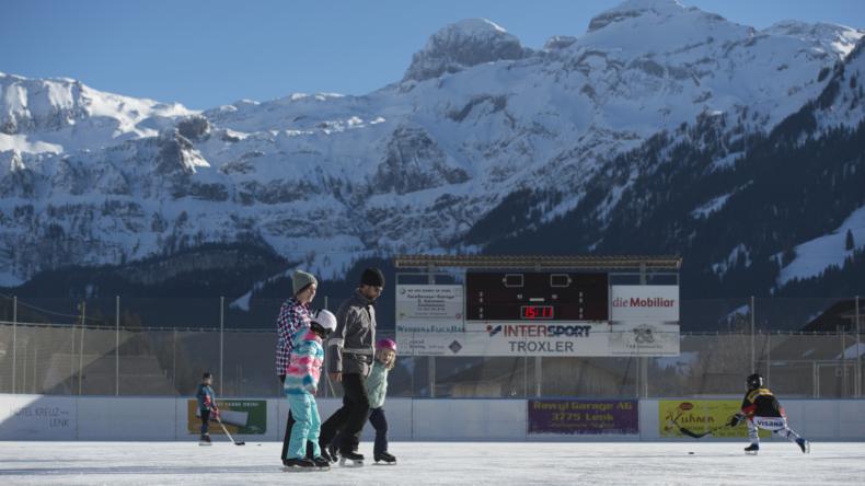 Eislaufen und Eishockey TEC Lenk
