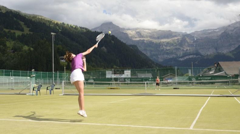 Tennis TEC Lenk vor Wildstrubel