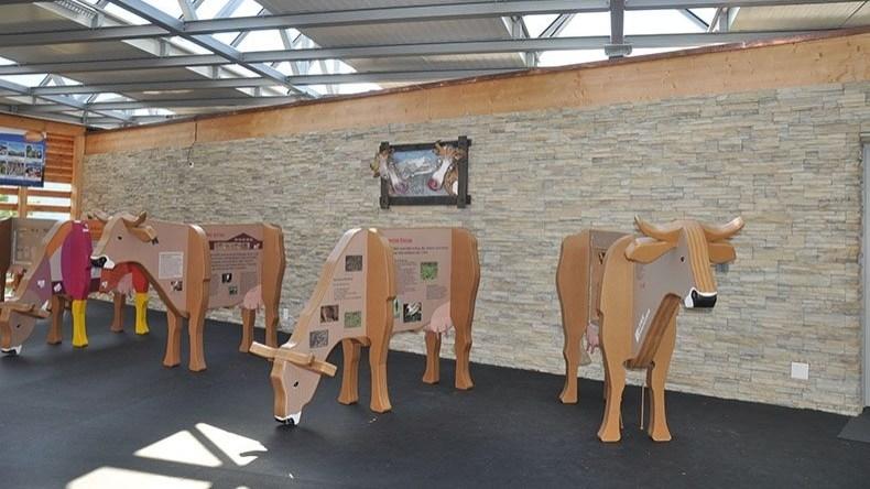 Holz-Spielkühe Lenk Bergbahnen