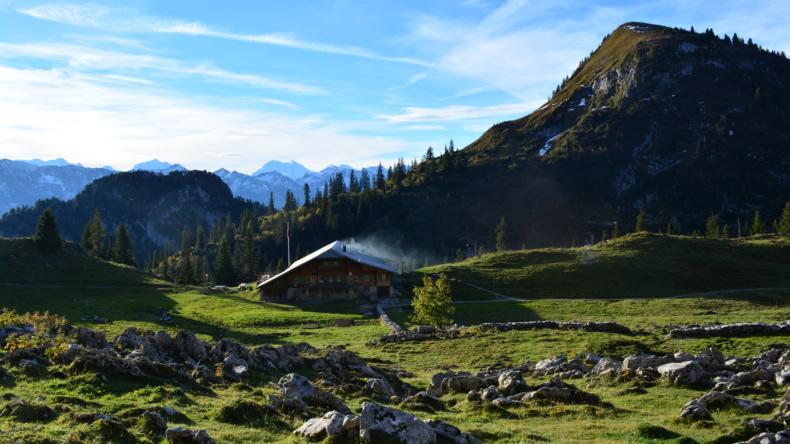 Oberstockenalp mit Cheibehorn
