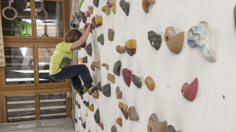 Bouldern BoulderSchüür Lenk